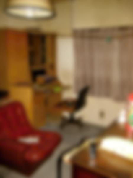2階のお部屋は所有者さまが実家を出られた時のままだったそうです