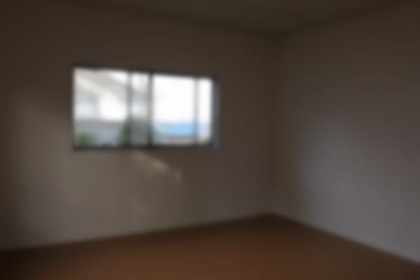2階のお部屋も白いクロスで明るい空間になりました