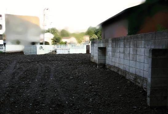 建物を解体した後の空き地
