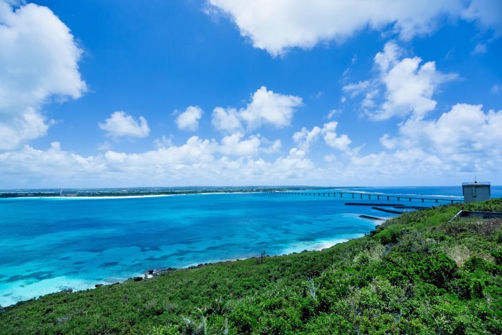 宮古島は綺麗な海が有名な場所です