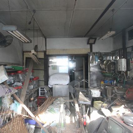 自作の地下室やゴミ屋敷で売れない。解体費用も高額で払えない。