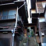 <空き家NEWS>「どこに住めば」戸惑う住民 斜面地の開発制限 北九州市議選の論点に